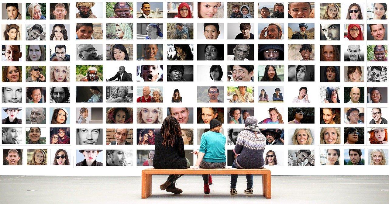 Virtual reality and social interaction
