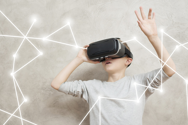 How virtual reality uses data?