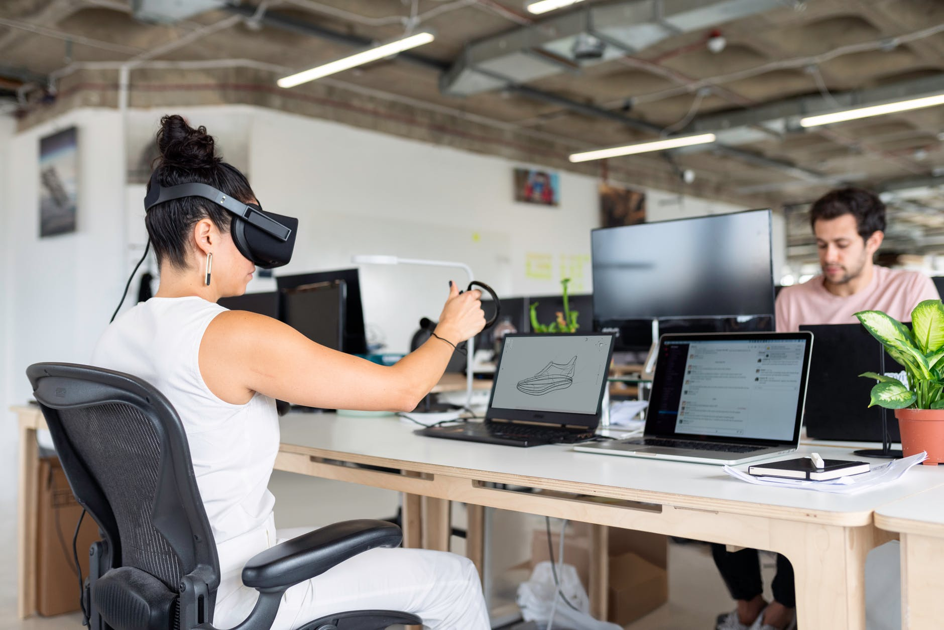 How augmented reality helps business?