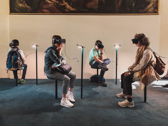 How augmented reality affects people's behaviour?